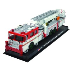 Seagrave Aerialscope Ladder die-cast Fire Truck Model 1:64